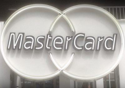 qneon_mastercard
